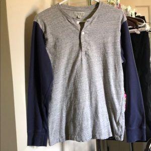 Long sleeved knit T- shirt
